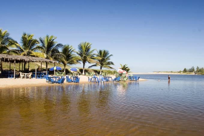Lagoa e Praia do Siri, Marataízes (ES)