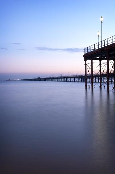 Píer de Southend-on-Sea, no Condado de Essex, Inglaterra, o mais extenso do mundo