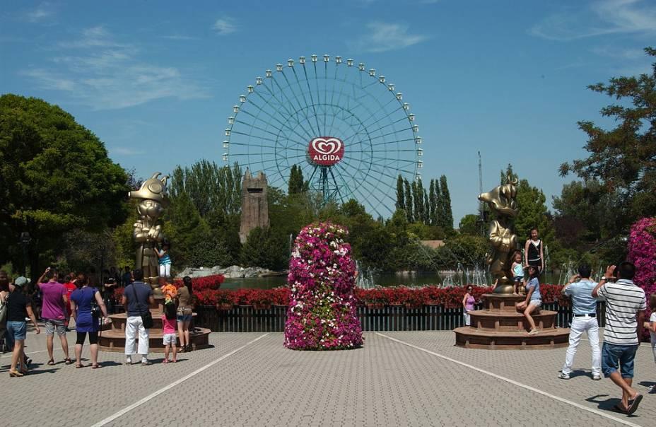 Depois da London Eye, esta é a maior roda-gigante da Europa. Localizada no parque de diversões Mirabilandia, o brinquedo tem 90 metros de altura e, lá do alto, descortina a região de Emilia-Romagna, com várias praias próximas. Tem cerca de 50 mil lâmpadas, o que faz dela uma das roda-gigantes mais iluminadas do mundo. Além da roda-gigante, o parque de 850 mil metros quadrados está cheio de atrações, jardins e lagos, um programa perfeito para curtir em família