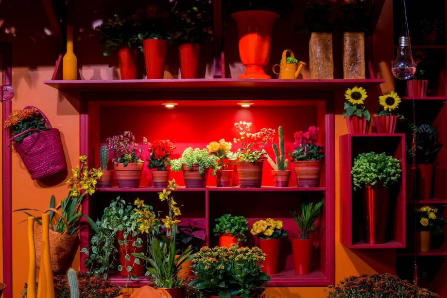 O evento também reúne exposições e mostras de arranjos florais, apresentados de forma delicada