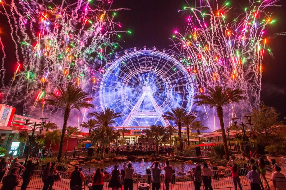 Novidade em Orlando, a roda gigante tem 122 metros e permite uma vista panorâmica da Florida Central. A volta, feita em cápsulas de vidro, tem duração de 20 minutos. O nome, nada original, é uma referência à London Eye