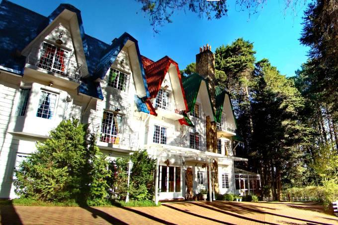 Fachada da pousada Canada Lodge, em Campos do Jordão, São Paulo