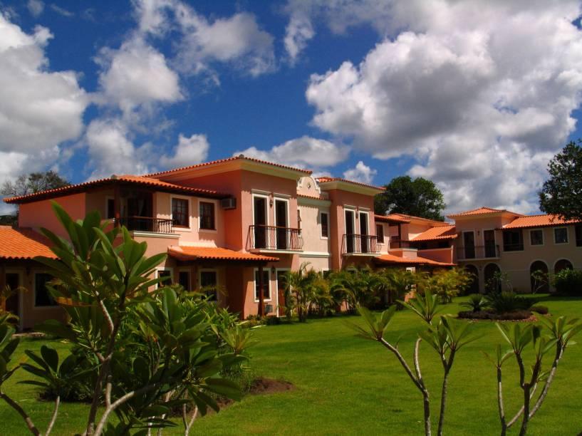 Apartamentos do hotel Costa Brasilis Resort, Santo André, Bahia