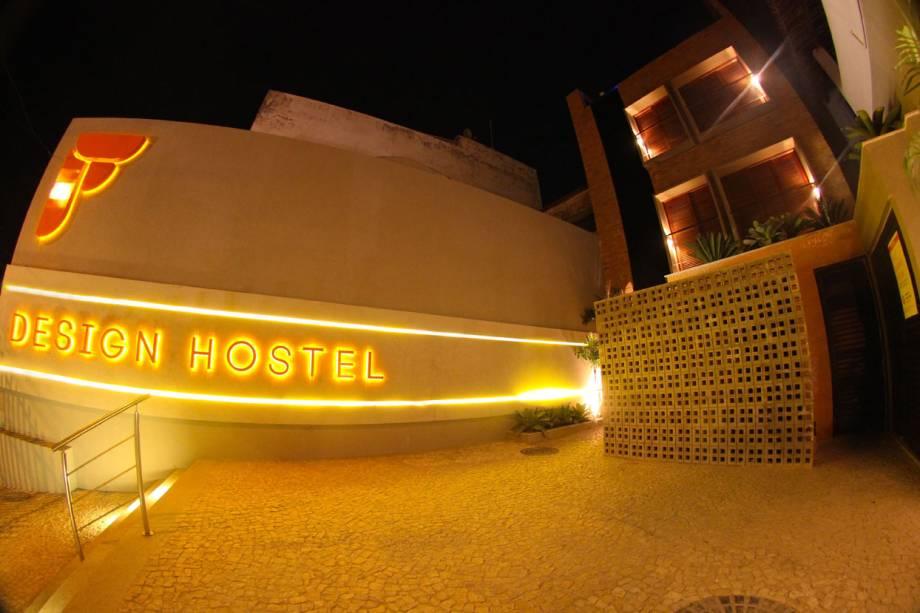 Fachada do F Design Hostel, em Salvador, Bahia
