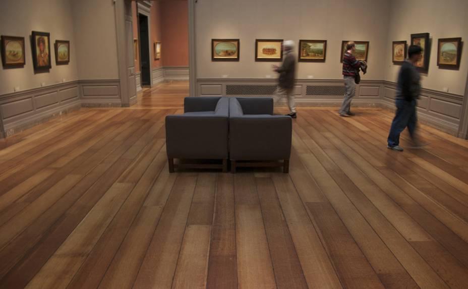 """<strong>5. <a href=""""http://www.npg.org.uk/"""" rel=""""National Portrait Gallery"""" target=""""_blank"""">National Portrait Gallery</a></strong>Se você gosta de retratos, não deixe de visitar a <a href=""""http://viajeaqui.abril.com.br/estabelecimentos/reino-unido-londres-atracao-national-portrait-gallery"""" rel=""""National Portrait Gallery"""" target=""""_blank"""">National Portrait Gallery</a>. Fotografias, caricaturas, pinturas, desenhos e esculturas das personalidades de todo o mundo. Inaugurado em 1856, o espaço conta hoje com mais de 11 mil obras, sendo algumas delas verdadeiros símbolos do lugar, como o quadro de Shakespeare e as fotos de Charles Dickens, Barack Obama e Oscar Wilde. Além do acervo permanente, desde 1980 a instituição promove o BP Portrait Prize exhibition, um concurso que renova e inclui novos trabalhos ao museu"""