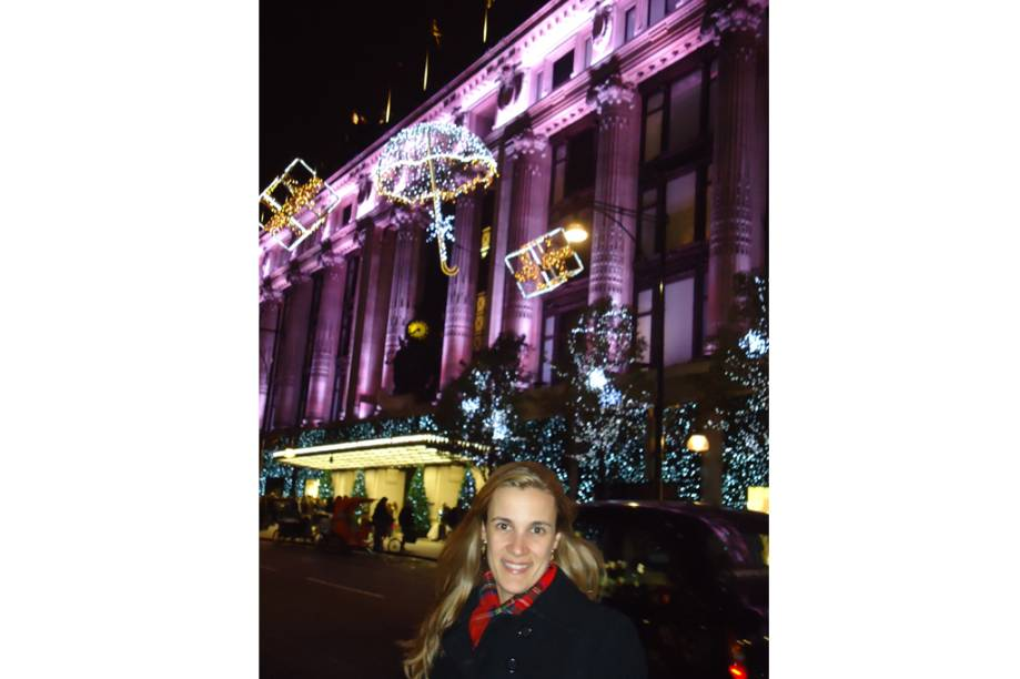 O espírito natalino contagiante na linda <strong>Bond Street</strong>, em Londres, Inglaterra