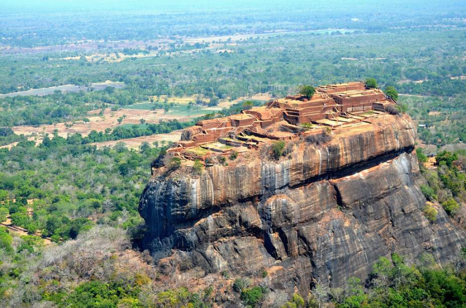 A fortaleza no rochedo de Sigiriya é um dos grandes destaques de uma viagem ao Sri Lanka