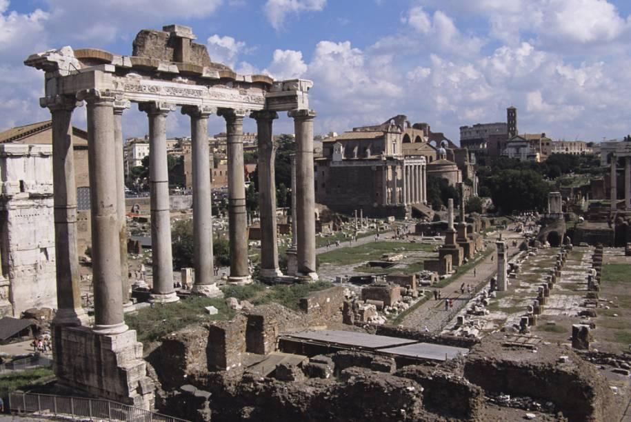 Dica: leve um guia de bolso que contenha explicações sobre as ruínas, já que há pouca informação no sítio