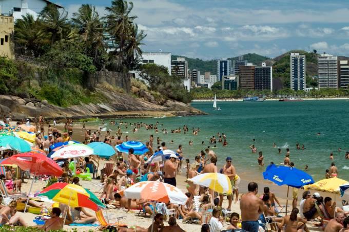 As duas praias mais badaladas de Vitória, Esquerda (Grande) e Direita, ficam na Praia Ilha do Boi