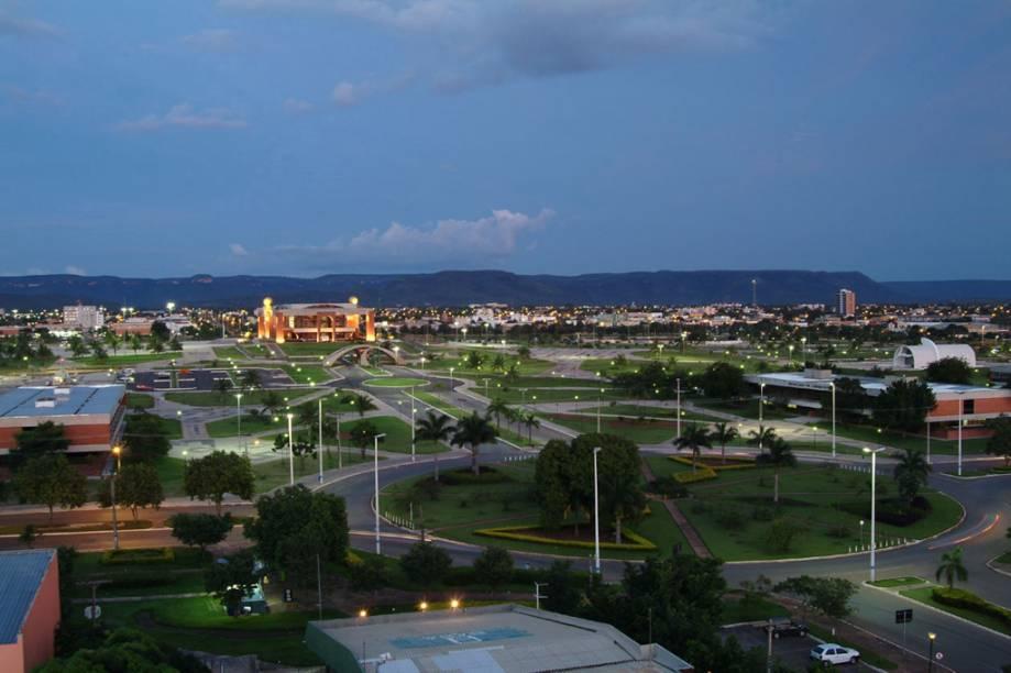 Os principais hotéis de Palmas ficam nas quadras vizinhas à Praça dos Girassóis, onde está a sede do governo