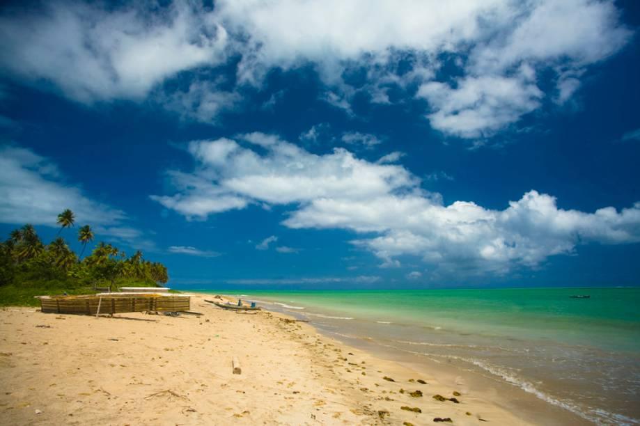 Atração cinco estrelas do GUIA QUATRO RODAS, a Praia Patacho é a mais bonita da Costa dos Corais, com água cristalina e muitos coqueiros