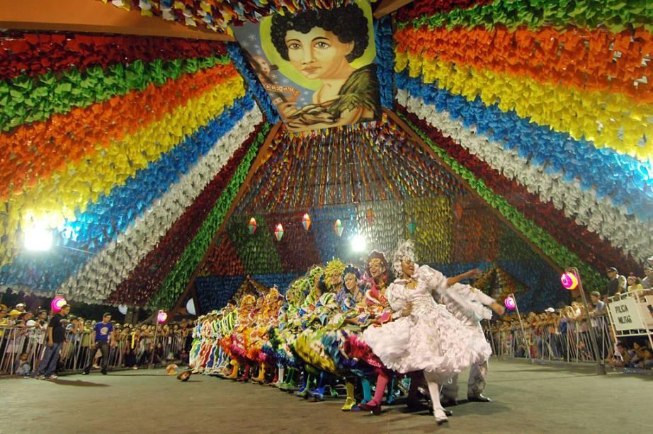 São esperadas dois milhões de pessoas para assistir as atrações do São João de Campina Grande, entre elas as tradicionais quadrilhas temáticas
