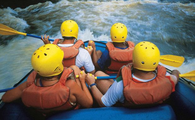 "A cidade é a capital paulista do turismo de aventura. O rafting no rio Jacaré-Pepira é um dos programas mais procurados. Tirolesas e rapéis também são populares.<a href=""https://www.booking.com/searchresults.pt-br.html?aid=332455&lang=pt-br&sid=eedbe6de09e709d664615ac6f1b39a5d&sb=1&src=searchresults&src_elem=sb&error_url=https%3A%2F%2Fwww.booking.com%2Fsearchresults.pt-br.html%3Faid%3D332455%3Bsid%3Deedbe6de09e709d664615ac6f1b39a5d%3Bcity%3D18959%3Bclass_interval%3D1%3Bdest_id%3D-634931%3Bdest_type%3Dcity%3Bdtdisc%3D0%3Bfrom_sf%3D1%3Bgroup_adults%3D2%3Bgroup_children%3D0%3Binac%3D0%3Bindex_postcard%3D0%3Blabel_click%3Dundef%3Bno_rooms%3D1%3Boffset%3D0%3Bpostcard%3D0%3Braw_dest_type%3Dcity%3Broom1%3DA%252CA%3Bsb_price_type%3Dtotal%3Bsearch_selected%3D1%3Bsrc%3Dsearchresults%3Bsrc_elem%3Dsb%3Bss%3DCapara%25C3%25B3%252C%2520%25E2%2580%258BMinas%2520Gerais%252C%2520%25E2%2580%258BBrasil%3Bss_all%3D0%3Bss_raw%3DAlto%2520Capara%25C3%25B3%3Bssb%3Dempty%3Bsshis%3D0%3Bssne_untouched%3DPresidente%2520Figueiredo%26%3B&ss=Brotas%2C+%E2%80%8BS%C3%A3o+Paulo%2C+%E2%80%8BBrasil&ssne=Capara%C3%B3&ssne_untouched=Capara%C3%B3&city=-634931&checkin_monthday=&checkin_month=&checkin_year=&checkout_monthday=&checkout_month=&checkout_year=&no_rooms=1&group_adults=2&group_children=0&highlighted_hotels=&from_sf=1&ss_raw=Brotas&ac_position=0&ac_langcode=xb&dest_id=-631584&dest_type=city&search_pageview_id=5af371fd3c720003&search_selected=true&search_pageview_id=5af371fd3c720003&ac_suggestion_list_length=5&ac_suggestion_theme_list_length=0"" target=""_blank"" rel=""noopener""><em>Busque hospedagens em Brotas</em></a>"