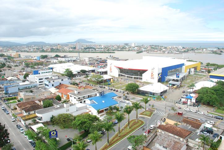Com mais de 18 mil metros quadrados de extensão e capacidade para até 15 mil pessoas, o Centreventos de Itajaí, em Santa Catarina, receberá a edição de 2012 da Marejada