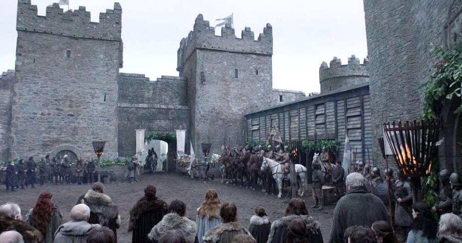 """Cena de """"Game of Thrones"""" em Mdina, Malta. Na série do canal de TV pago HBO, os portões da cidade medieval (na foto anterior) foram parte do cenário de Winterfell, a casa dos Starks"""