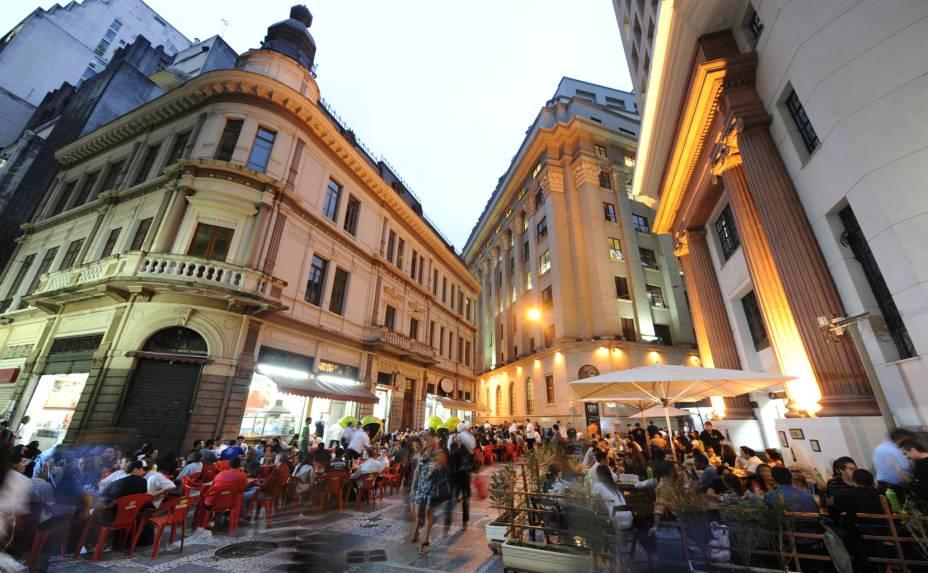 <strong>Largo do Café: </strong>o café era comercializado em uma espécie de leilão informal no Largo do Café. Atualmente há bares e cafeterias animados após o horário comercial, onde se pode saborear um bom café. Fica entre as ruas São Bento, Álvares Penteado e do Comércio.