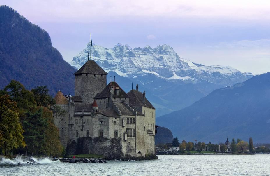 Château de Chillon às margens do Lago Genebra.