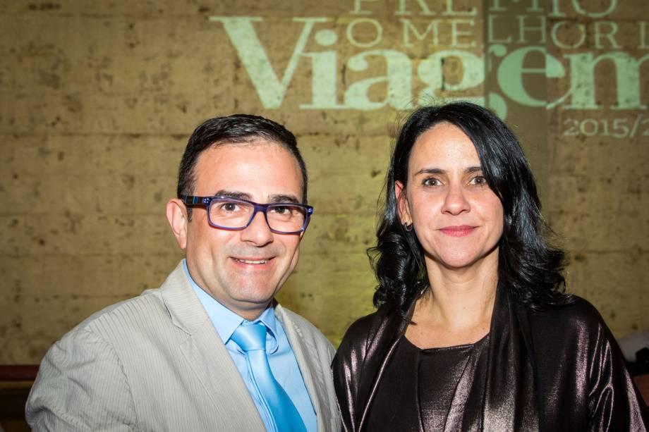 Geninho Goes, da BNT, e Angélica Santa Cruz, diretora de redação da Viagem e Turismo