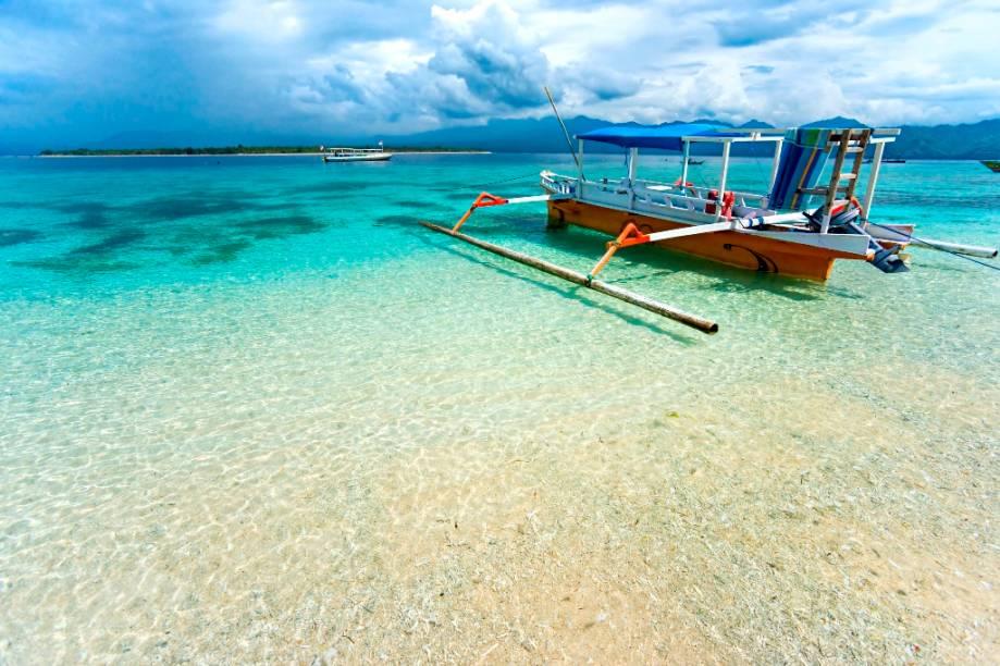 Gili Meno é uma pequena ilha a noroeste de Lombok, no estreito de Bali. Sem fontes naturais de água, sua população é altamente dependente do turismo