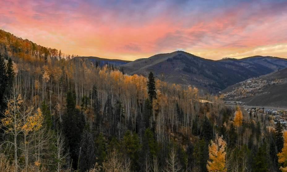 """O incrível pôr do Sol em Vail, Colorado, <a href=""""http://viajeaqui.abril.com.br/paises/estados-unidos"""" rel=""""EUA"""" target=""""_self"""">EUA</a>"""