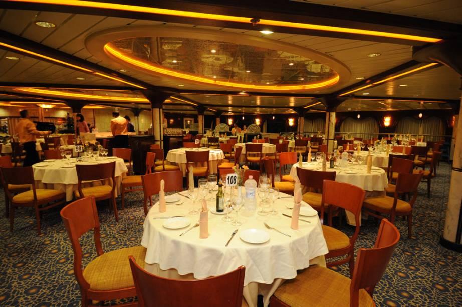 O navio tem quatro restaurantes a bordo