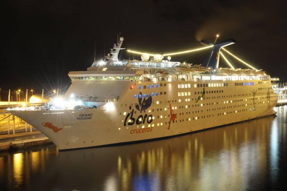 Com 46.052 toneladas, o Grand Holiday tem capacidade para 1.848 hóspedes