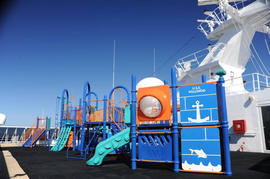 Navio conta com playground para crianças