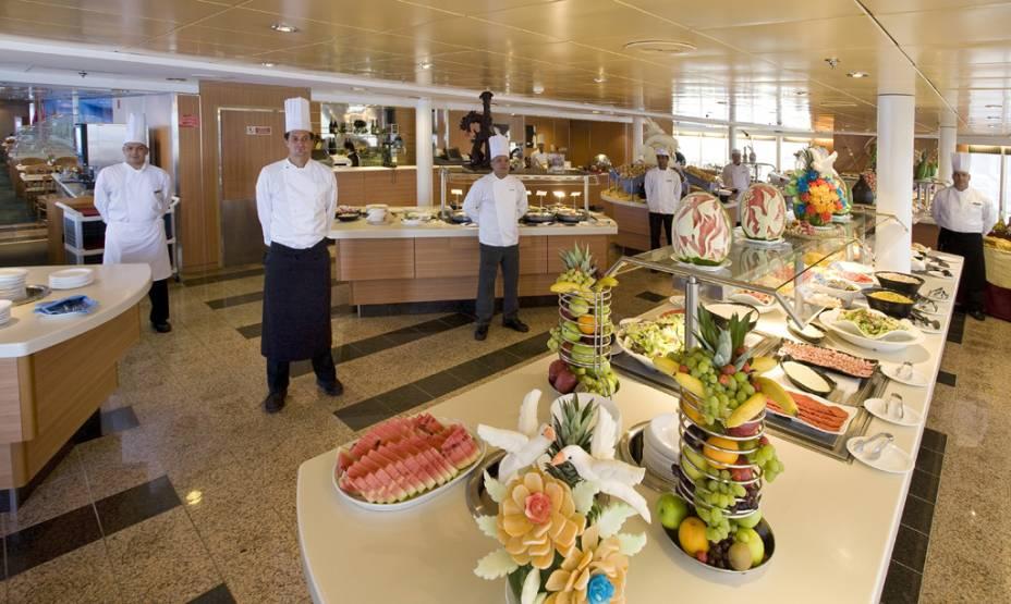A comida do restaurante é servida no estilo bufê