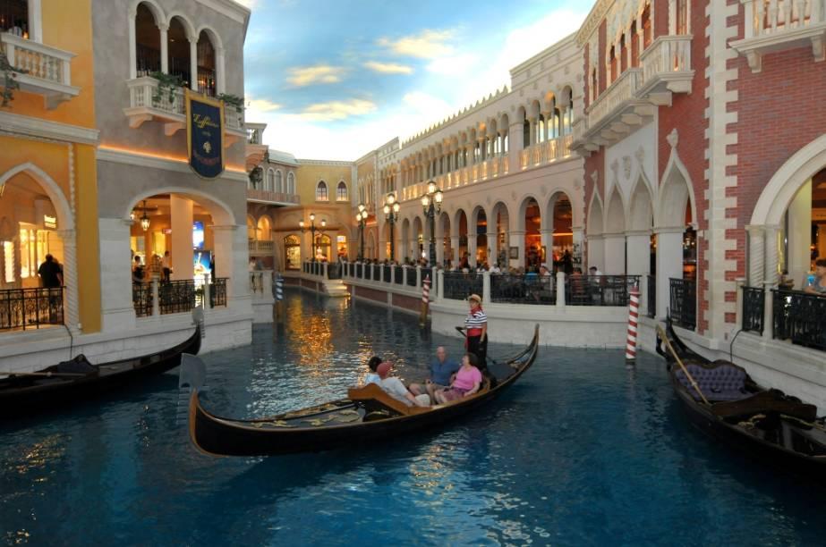 A réplica da cidade italiana The Venetian, que fascina os turistas, também tem programação especial.
