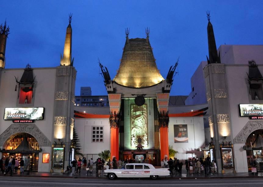 Graumans Chinese Theater, onde as celebridades do cinema deixavam suas marcas na calçada