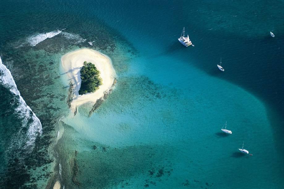 """Um dos novos destinos românticos do <a href=""""http://viagemeturismo.abril.com.br/tudo-sobre/caribe/"""">Caribe</a>, as <a href=""""http://viagemeturismo.abril.com.br/paises/ilhas-virgens-britanicas-2/"""">Ilhas Virgens Britânicas</a> só agora vem conquistando os brasileiros"""