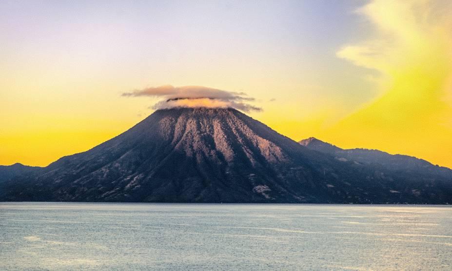 Nascer do sol no Vulcão Toliman