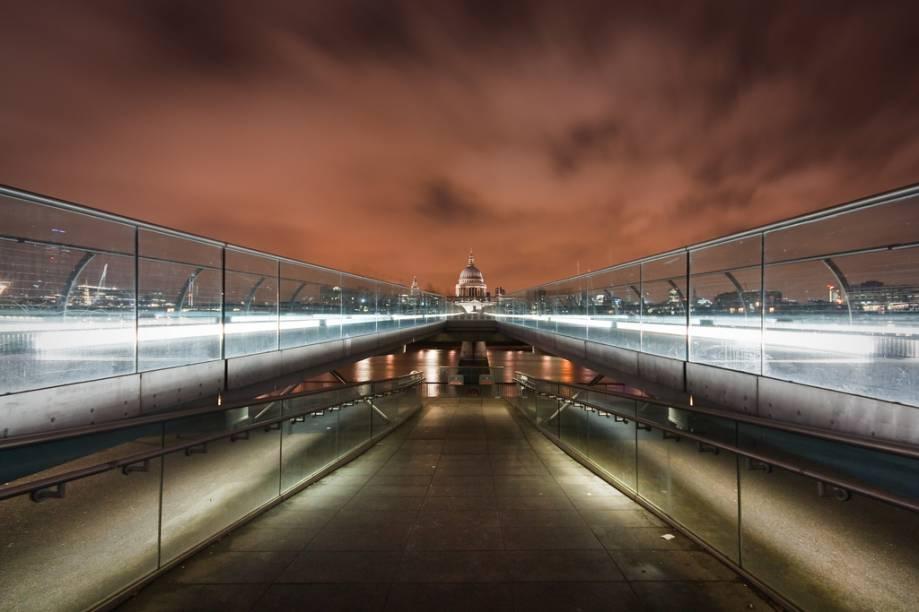 Catedral de Saint Paul e Millenium Bridge, Londres