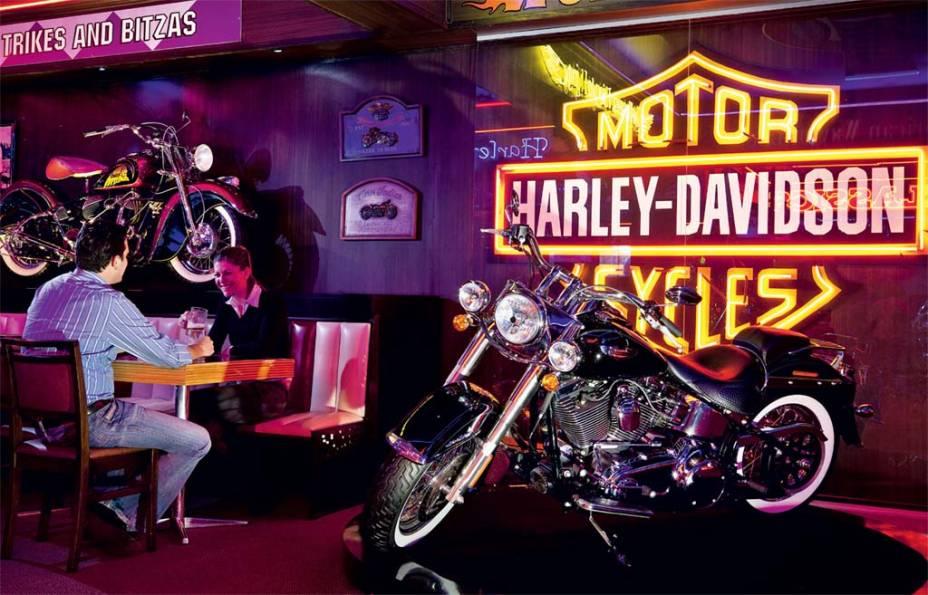 Carros de época, esportivos e Harleys recheiam os museus de Gramado