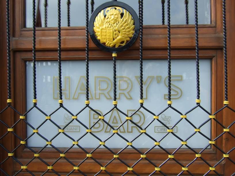 A famosa janela do Harrys Bar
