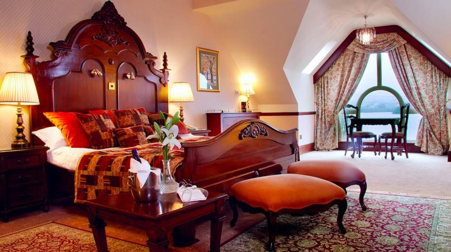 """<strong>18. Harveys Point, Donegal, <a href=""""http://viajeaqui.abril.com.br/paises/irlanda/fotos"""" rel=""""Irlanda"""" target=""""_blank"""">Irlanda</a></strong>O cenário bucólico próximo à cadeia de montanhas Croaghgorm, às margens do Lago Eske, faz do hotel um lugar perfeito para quem procura tranquilidade, conforto e contato com a natureza.Mês mais barato para se hospedar: Janeiro"""