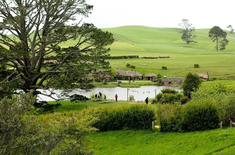O clima bucólico da fazenda na Nova Zelândia ajudou os produtores a escolher o local como a vila dos Hobbits, personagens que vivem em integração com a natureza