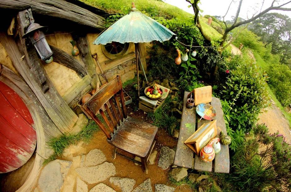 Cada detalhe ao longo do vilarejo foi pensado, não apenas as casas, mas os jardins, as árvores e equipamentos