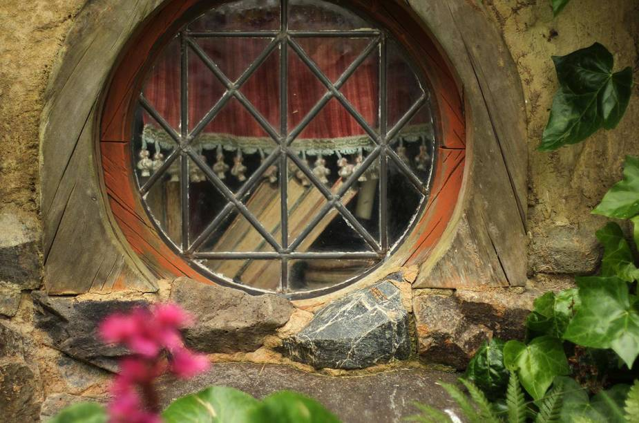 Cada casa de Hobbit foi construída e decorada de forma única, para dar ainda mais realidade ao cenário