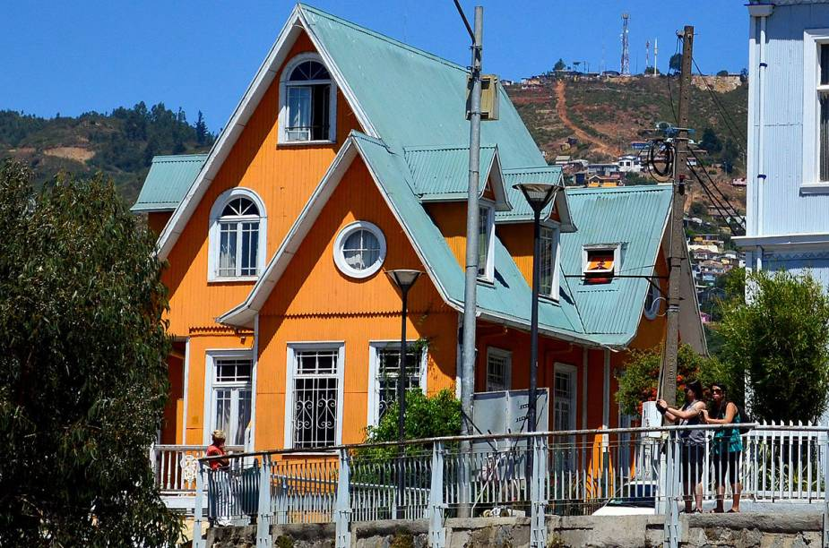 O Hotel Brighton, em Valparaíso, oferece um happy hour com vista para o Oceano Pacífico