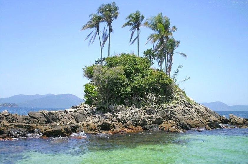 Ilhas Botinas, ou Ilhas Gêmeas, em Angra dos Reis (RJ)
