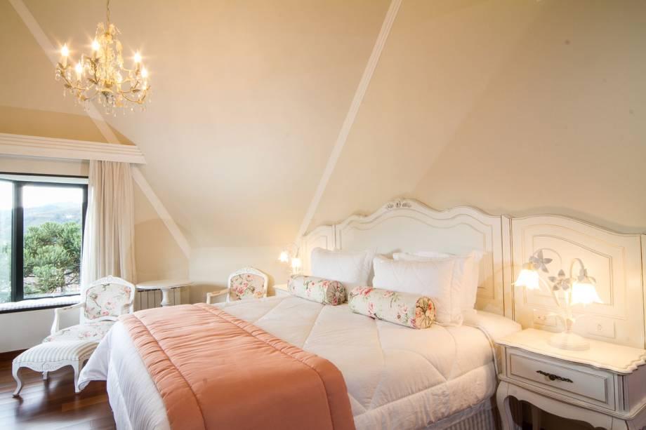 """<strong>12. <a href=""""http://viajeaqui.abril.com.br/estabelecimentos/br-sp-campos-do-jordao-hospedagem-villa-d-biagy-premium"""" rel=""""Villa DBiagy Premium"""" target=""""_blank"""">Villa DBiagy Premium</a></strong>                            Os quartos têm frigobar retrô e decoração em estilo provençal móveis em tons claros, e poltronas e cadeiras com estofados floridos                            <a href=""""http://www.booking.com/hotel/br/villa-da-biagy-premium.pt-br.html?aid=332455&label=viagemabril-camposdojordao"""" rel=""""Faça sua reserva no Villa DBiagy Premium pelo Booking.com"""" target=""""_blank"""">Faça sua reserva no Villa DBiagy Premium pelo Booking.com</a>"""