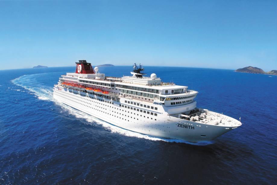 Navio Zenith tem 47.413 toneladas e capacidade para 1828 hóspedes