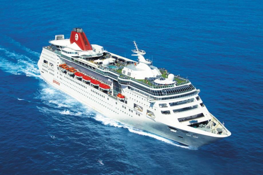 Com 48.500 toneladas, o Empress tem capacidade para 1.853 passageiros
