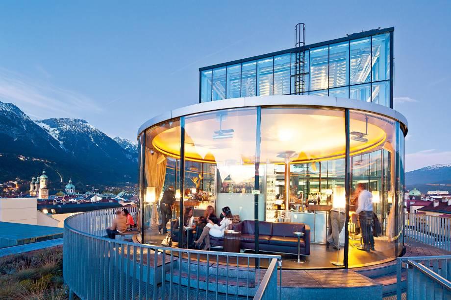 O modernoso 360DegreeBar, em Innsbruck
