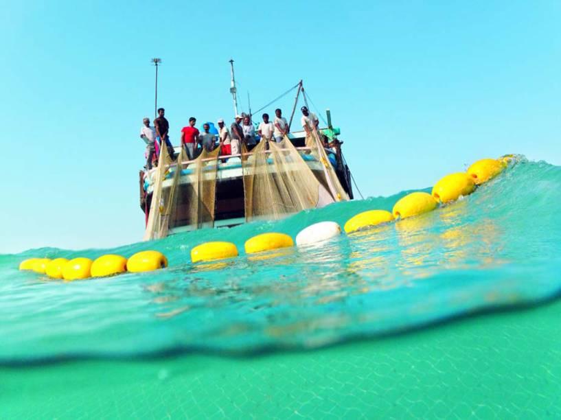 Os <strong>lenjs </strong>são tradicionais barcos de madeira do <strong>Irã </strong>construídos artesanalmente e utilizados para viagens, comércio e pesca. O conhecimento para a fabricação abrange a literatura oral, técnicas de navegação e previsões meteorológicas