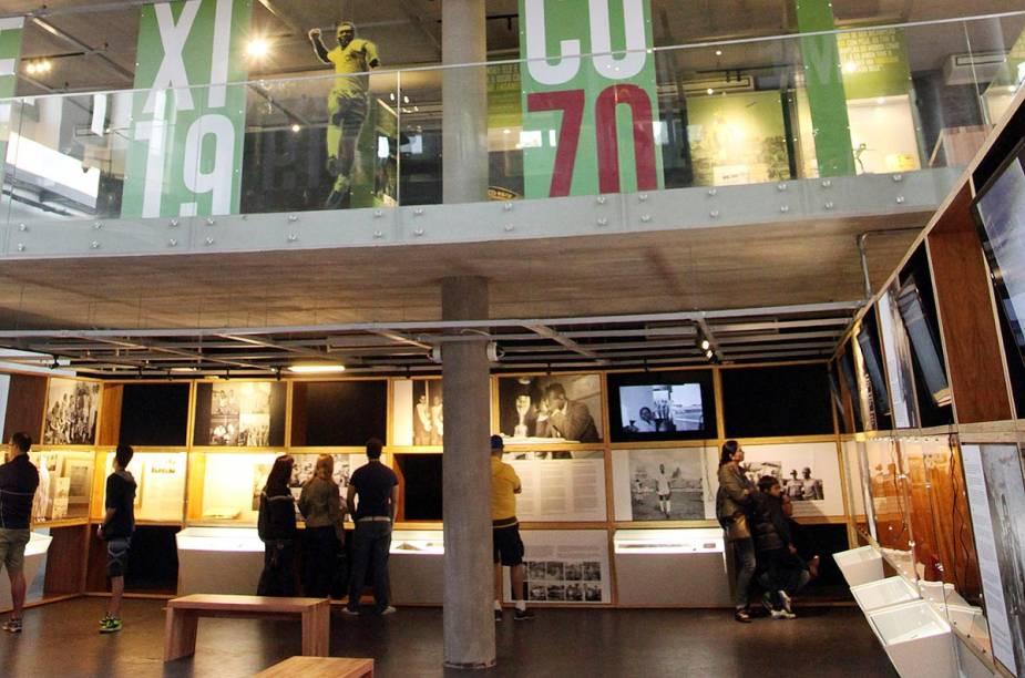 Decoração moderna, painéis coloridos e muita interatividade são características do mais novo museu de Santos (SP)