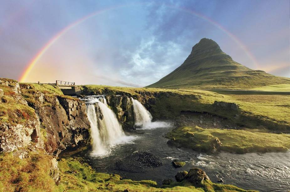 "<a href=""http://viajeaqui.abril.com.br/paises/islandia"" target=""_blank""><strong>Islândia </strong></a>"