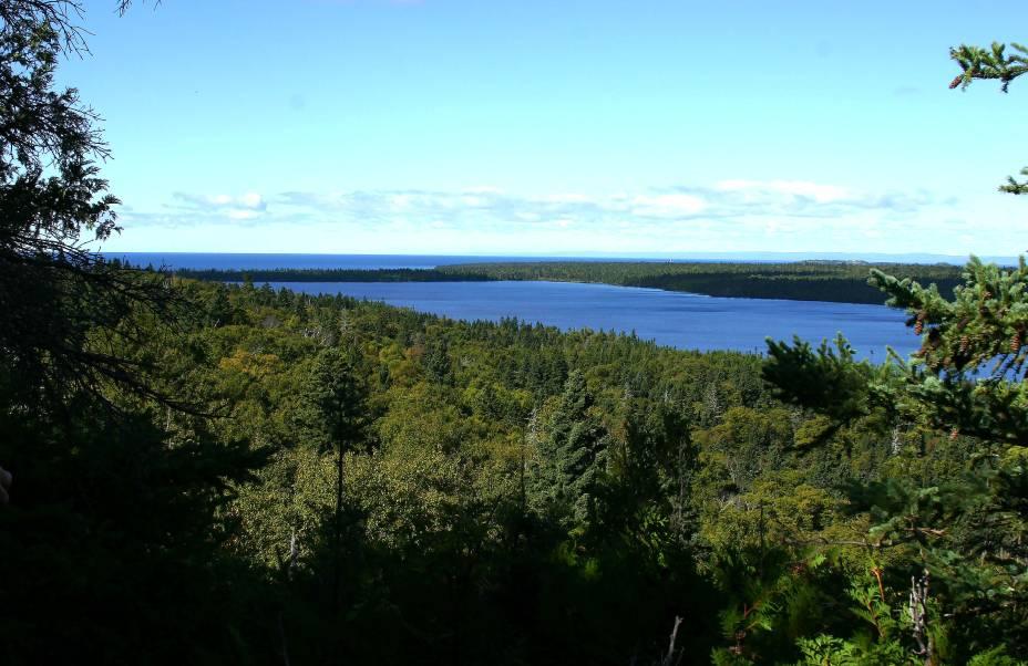 <strong>3. Isle Royale National Park, em Michigan</strong>    O clima frio e chuvoso não impede que os viajantes se encantem com a paisagem local.