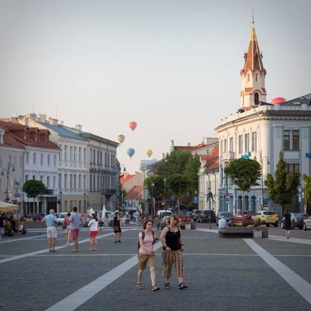 Adorável tarde no Centro Histórico de Vilnius